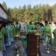 литургия во дворе